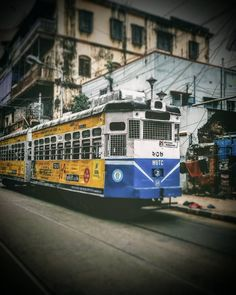 You no longer have to bear the heat to get the taste of old Calcutta in a tram because the city's mode of transport since the century has undergone a cool century change. The living heritage of Kolkata City Painting, Watercolor Painting, Cityscape Drawing, Indian Aesthetic, Newspaper Art, Watercolor Architecture, Studio Background Images, Futuristic Cars, India Travel
