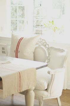 So much to love about red and white linens . They feel typically French and many of the grain sack...