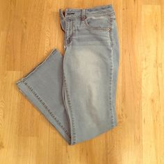 American Eagle Jeans Kick Boot Light wash jeans. Zipper and button in tact. No rips or pulls. Very comfortable. American Eagle Outfitters Jeans Flare & Wide Leg