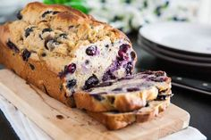 Blueberry-Banana Bread – Delicious recipes to cook with family and friends. Blueberry Banana Bread, Banana Bread Recipes, Muffin Recipes, Diabetic Desserts, Healthy Desserts, Healthy Breads, Healthy Recipes, Quick Bread, Weight Watchers Meals