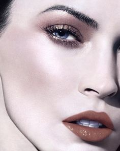 Spring-Summer 2012 A very neutral. The new makeup collection by Giorgio Armani