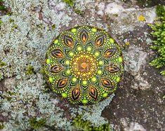 Mandala Stein, von Hand bemalt
