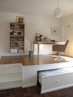 1000 ideas about lit gain de place on pinterest trundle beds murphy beds and lit relevable. Black Bedroom Furniture Sets. Home Design Ideas