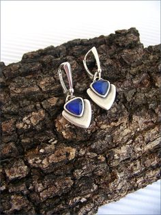 Silver/blue woman earrings triangle charm Boucles