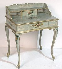 """Venetian """"Ladies' Desk"""" circa 1910 and featuring delicate hand-painted floral accents on the legs drawers and writing surface. Venetian """"Ladies' Desk"""" circa 1910 and featuring delicate hand-painted floral accents on the legs drawers and writing surface. Hand Painted Furniture, French Furniture, Miniature Furniture, Paint Furniture, Doll Furniture, Shabby Chic Furniture, Furniture Projects, Furniture Makeover, Vintage Furniture"""
