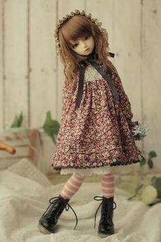 BJD - what an adorable, life-like doll! Anime Dolls, Bjd Dolls, Doll Toys, Pretty Dolls, Beautiful Dolls, Mori Girl, Cute Baby Dolls, Real Doll, Smart Doll