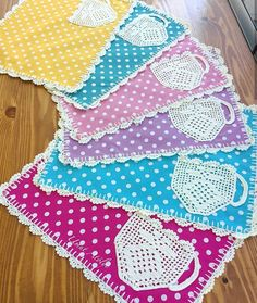 Image gallery – Page 670966044456552632 – Artofit Easy Crochet Patterns, Crochet Patterns Amigurumi, Crochet Motif, Crochet Baby, Polka Dot Quilts, Crochet Kitchen, Decoration Table, Lace Design, Fabric Painting