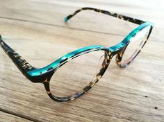 We love this unisex round frame, the Nara in HVTQ from @etniabarcelona with its acetate combination in sandwich form and hidden lamination on the top portion of the frame front and a colour detail on the tips. All acetates are Mazzuchelli with flex hinges and colour carefully selected based on art and fashion trends. To see the collection is like viewing an art show. . . . . #vintage #vintagestyle #vintageshop #colour #fashion #trend #eyewear #inspiration #shopindependent #shoplocal #ocmix… Culture Art, Etnia Barcelona, Eye Jewelry, Optical Frames, Round Frame, Our Love, Vintage Shops, Eyeglasses, Eyewear