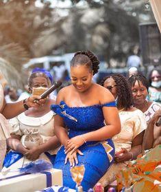 African Wear, African Dress, African Fashion, Couples African Outfits, Kente Dress, African Traditional Wedding, Kente Styles, Black Love, Clothing Styles