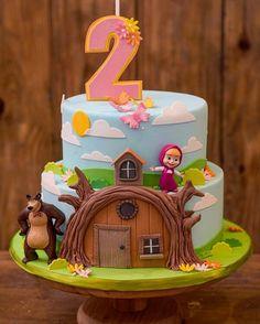 Masha et Mishka birthday party 2nd Birthday Party Themes, Baby Birthday Cakes, Bear Birthday, Birthday Party Decorations, Masha Cake, Masha Et Mishka, Marsha And The Bear, Bear Party, Ideas Para Fiestas