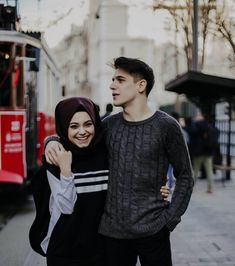 B A T U H A N & K Ü B R A (@kkubra.bbatuhan) #İSTANBUL Cute Muslim Couples, Cute Couples Goals, Romantic Couples, Romantic Pics, Couple Photoshoot Poses, Couple Posing, Couple Shoot, Cute Couple Art, Best Couple