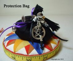 Protection Mojo Bag how-to from Silver Ravenwolf!