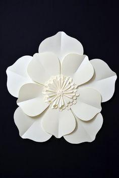 flor de papel grande para a decoração do casamento