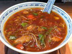 WesFood: From adolescence and childhood (part VI): Bihun soup - Rezepte - Asian Recipes Pork Curry Recipe, Greek Diet, Greek Salad, Medicinal Herbs, Greek Recipes, Chinese Recipes, Asian Recipes, Food Items, Carne