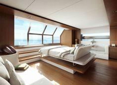 Voici Wally Ace Yacht, un bateau luxueux de la marque internationale Wally. Avec des lignes splendides et un design éblouissant, cet engin motorisé pouvant circuler non-stop de la Méditerranée aux Caraîbes est à découvrir dans la suite.