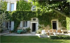 Cabrieres d'Avignon, Provence Holiday Rental House With Pool - Mas de Cabrieres | www.theluberon.com