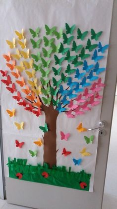 Rainbow Tree - an idea for class decoration . - Rainbow Tree – an idea for class decoration … – # a # for # … – crafts for chi - Kids Crafts, Summer Crafts, Preschool Crafts, Easter Crafts, Arts And Crafts, Creative Crafts, Creative Art, Butterfly Tree, Butterfly Crafts