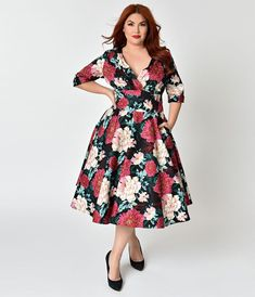 acbb423fbff5 Unique Vintage Plus Size 1950s Black   Carnation Floral Print Delores Swing  Dress with Sleeves Καθημερινά