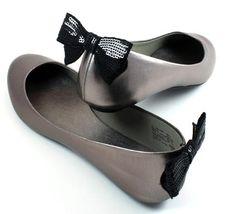 DIY Shoe Refashion: DIY Back of the shoe clip DIY Shoes DIY Refashion
