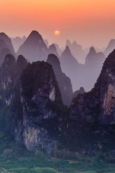 Sunset at Xingping, Guangxi, China (by James Bian), I want to visit this place! I have seen dozens of pictures of it and it always looks beautiful.