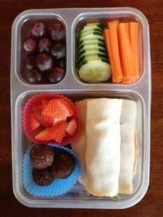 Work Lunch Ideas - Half sandwich, fruit, veggies. Use cupcake liners to separate.
