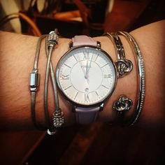 I want this bracelet!! Second one in from the right. Does anyone know where I can find this?