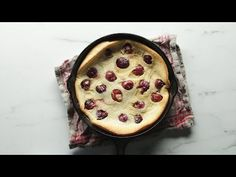 Learn the easiest way to pit your cherries 🍒 and make a delicious and easy cherry clafoutis perfect for your summer dinner party dessert! Ice Cream Cookie Sandwich, Ice Cream Cookies, Cherry Clafoutis, All Grain Brewing, Dinner Party Desserts, Dessert Cookbooks, Homemade Burgers, Thai Street Food