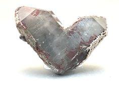 Quartz (Japan-law) Crystals Minerals, Rocks And Minerals, Stones And Crystals, Love Rocks, Rocks And Gems, Quartz Stone, Quartz Crystal, Gem Show, Smokey Quartz