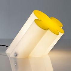 Anonymous; Plastic 'Passiflora' Table Lamp by Superstudio, 1966.