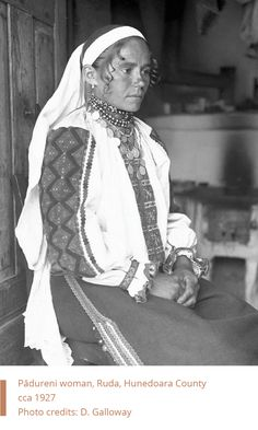 Romanian Woman in popular costume from Ruda, Hunedoara. Romanian Women, Popular Costumes, Folk Costume, Traditional Dresses, Folk Art, Ethnic, Textiles, Black And White, Inspiration