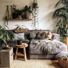 p i n t e r e s t : abbbygiiirl Boho Living Room abbbygiiirl Boho Living Room, Interior Design Living Room, Home And Living, Living Room Designs, Living Room Decor, Living Spaces, Bedroom Decor, Design Bedroom, Living Room With Plants