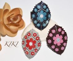 KIKI GYÖNGYEI: Virágos peyote gyűrűk