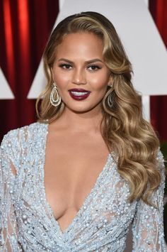 The Oscar Hairstyles that Took Our Breath Away: Crissy Teigen's Long Vintage Finger Waves at the 2015 Oscars