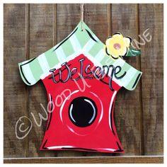 Birdhouse Door Hanger Welcome Birds Bird Spring by Burlap Door Decorations, Burlap Door Hangers, Burlap Signs, Burlap Flag, Wood Crafts Summer, Painted Signs, Painted Wood, Wooden Cutouts, Spring Projects