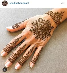 Instagram handle @ sonikashennaart who's pinterest acct, I believe, is @sonikashennaart Mehndi Designs For Girls, Unique Mehndi Designs, Mehndi Design Images, Henna Designs Easy, Beautiful Mehndi Design, Bridal Mehndi Designs, Bridal Henna, Tattoo Henna, Henna Tattoo Designs