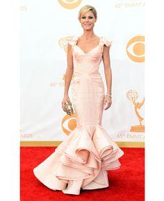 Julie Bowen in Zac Posen // 2013 Emmy Awards // http://blog.theknot.com/2013/09/23/wedding-dresses-red-carpet-emmy-awards/