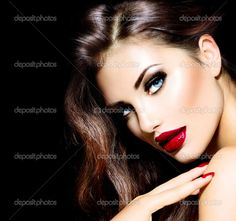 Bellezas sexy con labios rojos y las uñas. Maquillaje provocativo — Foto de Stock