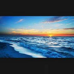 #beach #beachlife #bikinimodel #summer #sunset #pic #sunshine #sunrise_sunsets_aroundworld #sunrise #followme #followforfollow #instagram #pic #picoftheday #instalike #instagood #instaworld #swag #selfie #sea #bikini #bikinis