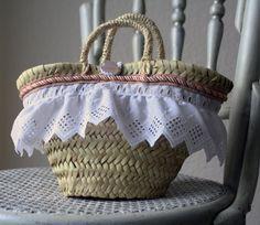 Little Straw Bag.  #capazos #palm basket  http://www.etsy.com/listing/151172978/mini-capazo-de-palma?langid_override=0