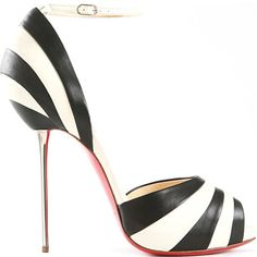 Christian Louboutin leather stiletto...  Listras nos pés