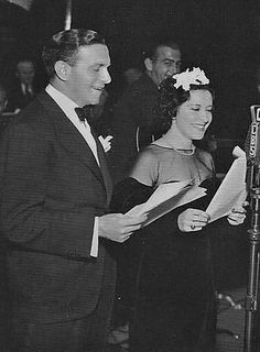S for style: Gracie Allen & George Burns | Doing a broadcast of their radio show