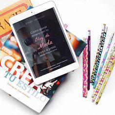 ¿Alguien que me recomiende un libro para leer este mes? Platícame por qué debería leerlo y qué les gustó de ese libro  Yo les recomiendo los #ebooks de @bloggerconnection porque tienen muchos consejitos para quiénes van empezando este mundo de los blogs #ebook #amoleer #libros #read #inspiration