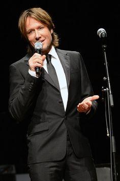 Keith Urban Photo - Keith Urban Accepts Nashville Symphony Harmony Award