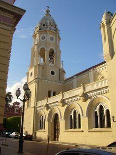 Iglesia de San Francisco de Asís en el Casco Antiguo de la ciudad de Panamá. ◆Panamá - Wikipedia http://es.wikipedia.org/wiki/Panam%C3%A1 #Panama