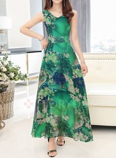 Latest fashion trends in women's Dresses. Shop online for fashionable ladies' Dresses at Floryday - your favourite high street store. Coral Maxi Dresses, Floral Chiffon Dress, Boho Dress, Summer Dresses, Chiffon Dresses, Chiffon Maxi, Floral Dresses, Simple Dresses, Elegant Dresses