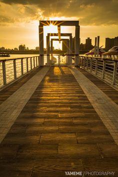 黃金撒落大稻埕 Dadaocheng Wharf / Taipei, Taiwan