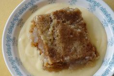 Much loved South African recipe for Vinegar Pudding or Asynpoeding. Hot Desserts, Delicious Desserts, Dessert Recipes, Recipe For Vinegar, South African Recipes, Ethnic Recipes, Beer Calories, Oven Dishes, Healthy Family Meals