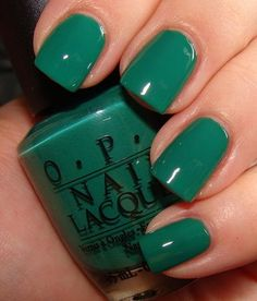 Mani #green #taispa #nails #mani #opi