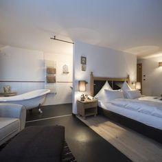 Hotel per adulti a Selva di Val Gardena. Per la tua vacanza senza bambini. Hotel, Bed, Furniture, Home Decor, Decoration Home, Room Decor, Home Furniture, Interior Design, Beds