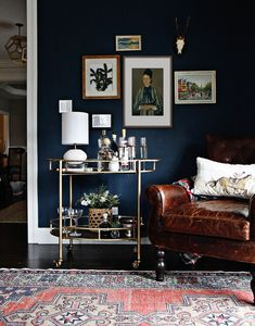 Gold Room Decor, Gold Rooms, Room Colors, House Colors, Paint Colors, Living Room Designs, Living Room Decor, Dining Room, Dark Living Rooms